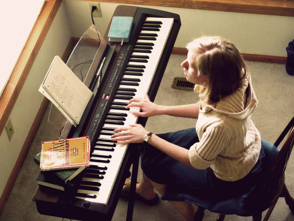 Taylor engrossed in songwriting.